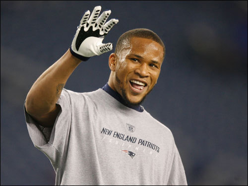 Jabar Gaffney http://www.patriotsgab.com/2012/05/07/pats-re-signs-wr-jabar-gaffney/