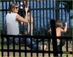 Exclusive - Gisele Bundchen and Tom Brady With the Kids and Dog Lua