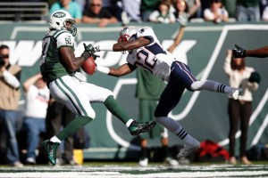 Devin McCourty with great pass breakup Photo by: Kathy Willens