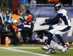 Julian Edelman dives for the TD! Photo By: Elise Amendola
