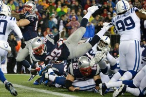 Blount goes up and over for the TD. Photo By: AP