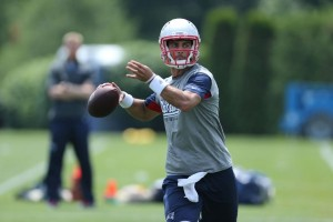 Jimmy Garoppolo trying to learn the ropes as a newbie. Photo By: David Silverman