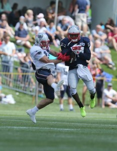 Darrelle Revis picks off a Brady to Edelman pass. (Photo By David Silverman)