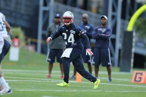 Darrelle Revis in his Patriots gear during his first training camp with the Pats. (Photo By David Silverman)