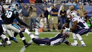 Tom Brady trips, but still get the ball to Vereen (Photo From Patriots.com)