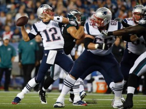 Tom Brady throws a pass against the Eagles. (Photo From Patriots.com)