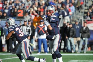 Tom Brady passes the ball. (Photo By: Keith Nordstrom)