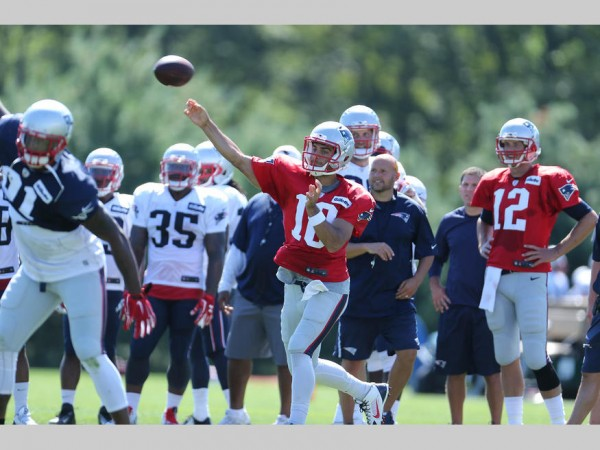 Jimmy Garropolo throws a pass during camp. (Photo By David Silverman)