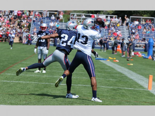 WR Brandon Gibson makes the excellent catch against Fletcher. (Photo By: David Silverman)