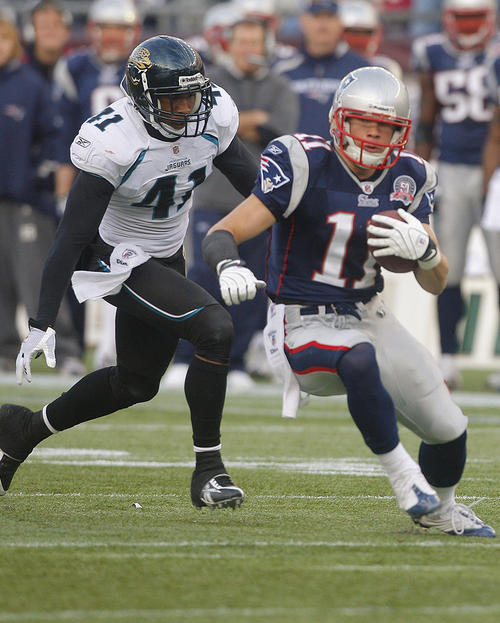 Julian Edelman versus the Jags way back in 2009. (Photo By: AP Photo/Stephan Savoia)