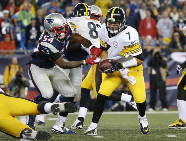 Dont'a Hightower wraps up Big Ben for the sack. (Photo By: AP Photo/Winslow Townson)