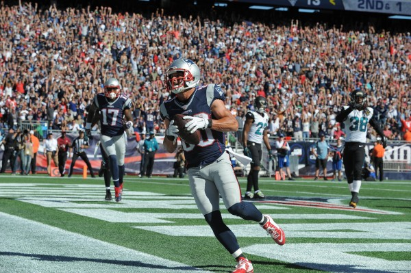 Danny Amendola catches number 400 touchdown pass from Brady. (Photo From Patriots.com)
