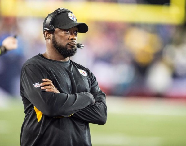 Mike Tomlin looks on during the game last night. (Photo from steelers.com)