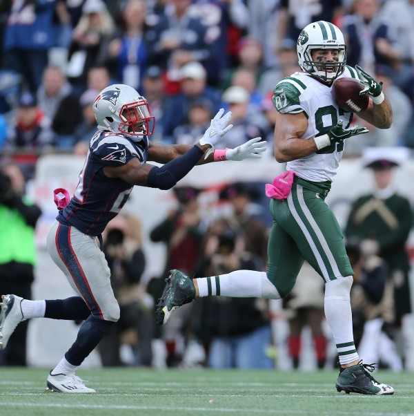 Malcolm Butler gives up a pass to WR Eric Decker on a crossing route. (Photo By: David Silverman)