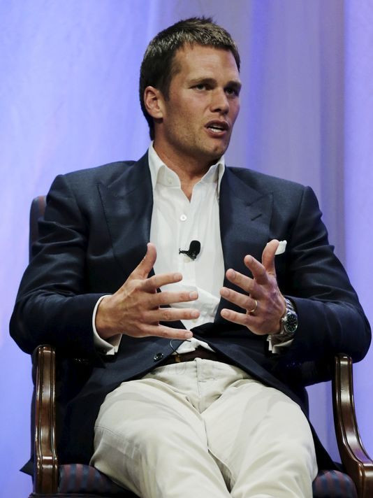 Tom Brady and the Pats can enjoy a bye week this week. (Photo: Charles Krupa, Pool photo via Reuters)