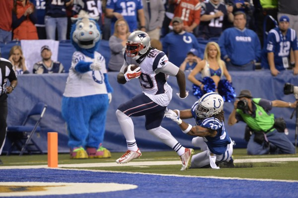 LeGarrette Blount scores his first career receiving touchdown. (Photo By: Keith Nordstrom)