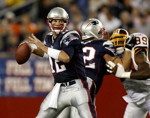 Tom Brady against the Redskins in 2007. (Photo From SNSnews.com)