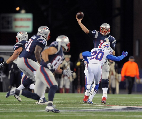 Tom Brady connects with Amendola. (Photo By: Keith Nordstrom)