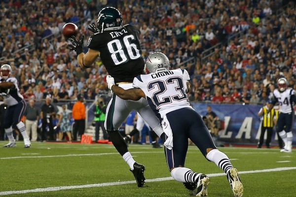 Chung Vs Ertz will be huge in this game. (Photo By: Jim Rogash)