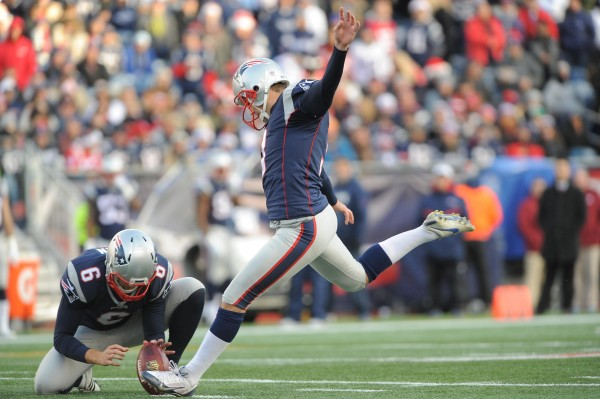 Kicker Stephen Gostkowski makes 4/5 field goals for the Patriots as they defeated the Titans, 33-16. (Photo By: Keith Nordstrom)