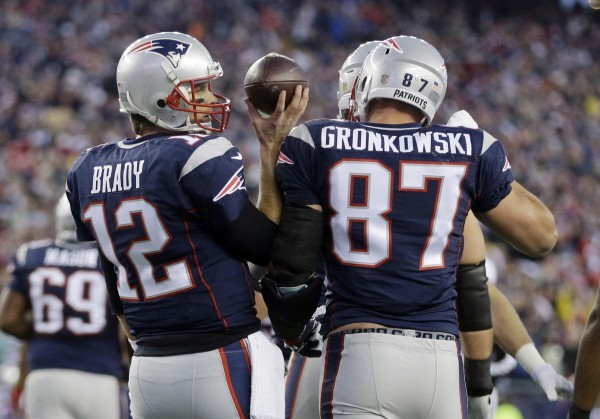 Tom Brady and Rob Gronkowski made easy work of the Chiefs defense. (Photo By: AP Photo/Steven Senne)