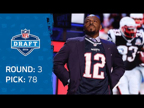 Former Great Patriots LB Kevin Faulk wore Tom Brady's jersey during the draft Friday Night. (Photo from article.wn.com)